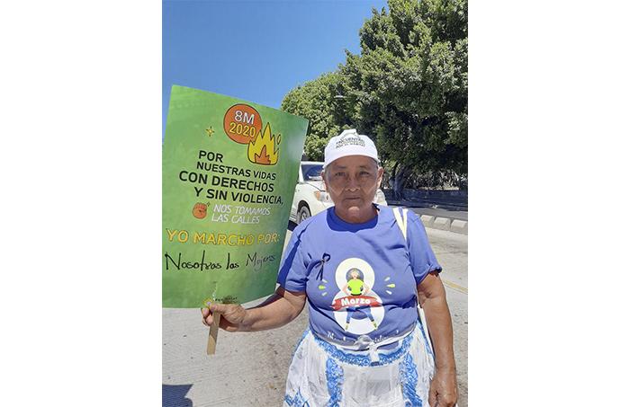 Josefina llegó desde lejos porque dijo que está cansada de la violencia contra todas las mujeres. Ya no quiere más feminicidios.
