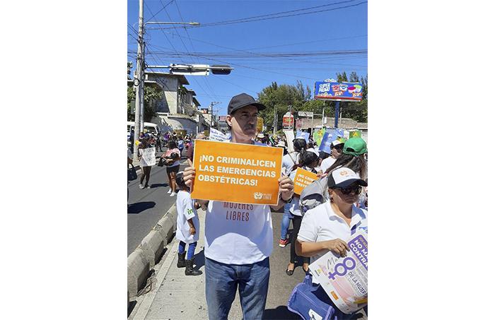 Hasta la fecha, la penalización del aborto en El Salvador es considerado a nivel internacional como una de las mayores violaciones a los derechos de las mujeres en este país.