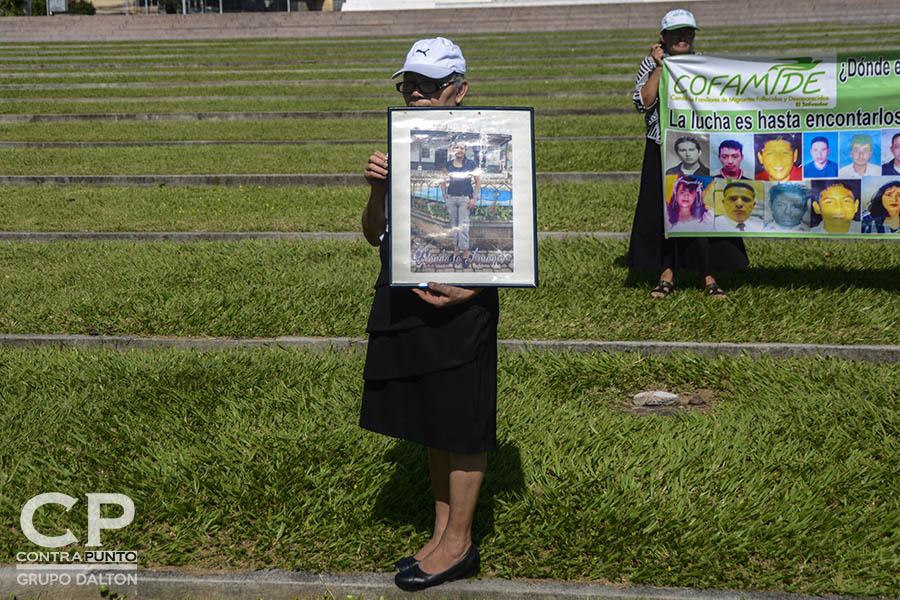 Familiares de 14 salvadoreños víctimas de una masacre que cobró la vida de 72 migrantes en San Fernando Tamaulipas, México, conmemoraron el séptimo aniversario de un hecho que sigue en la impunidad.