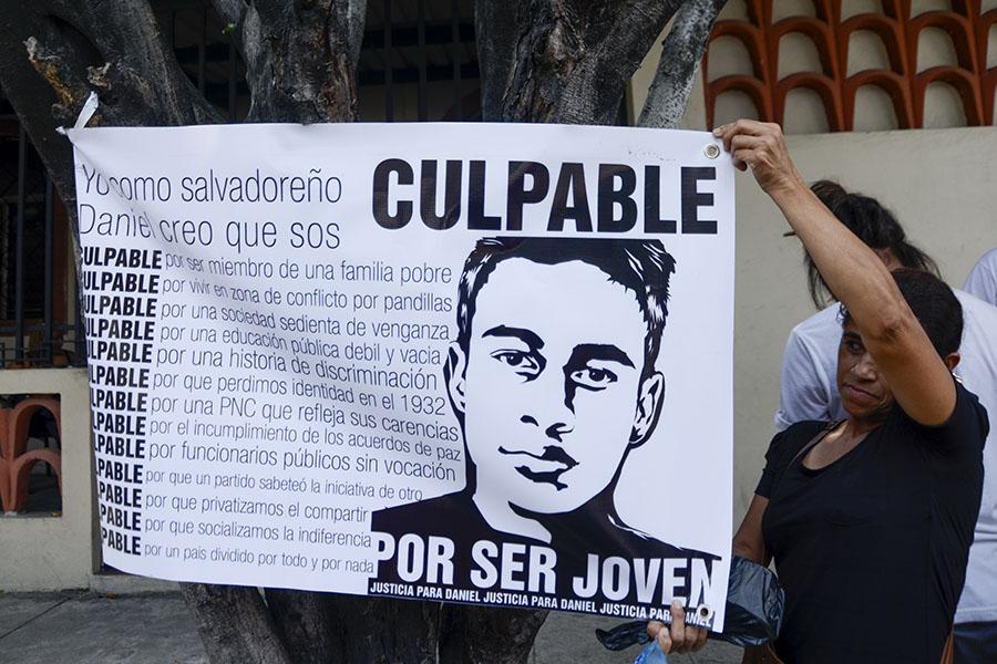 Daniel Alemán fue detenido, de acuerdo a testigos,  el pasado 10 de enero en la cancha de la urbanización Altavista, en Ilopango. Los agentes policiales que realizaron la captura aseguraron que su detención se realizó en el parqueo del polígono H.