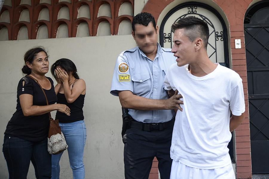 Daniel seguirá guardando prisión debido a que la Fiscalía General de la República le imputó, luego de su detención, el delito de extorsión agravada.