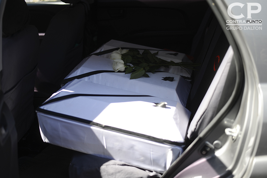 Las osamentas de seis niños víctimas de la masacre de El Mozote, ocurrida en diciembre de 1981 fueron entregadas a abogados querellantes de Tutela Legal