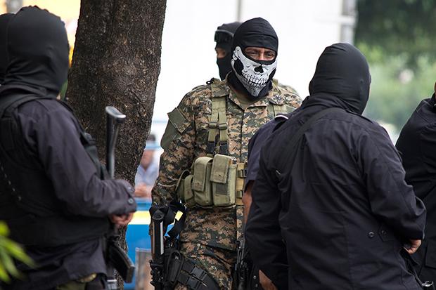 https://www.contrapunto.com.sv/wp-content/uploads/2020/12/Fuerza-Armada-Policias-Pandilla-Jessica-Orellana10-1.jpg
