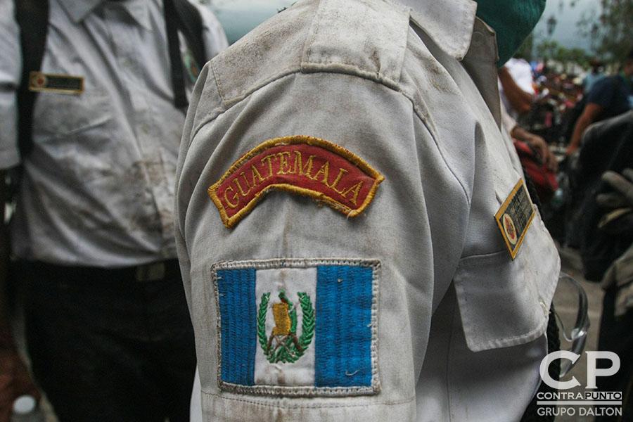 Los héroes que luchan por rescatar los cuerpos y desaparecidos de la erupción del Volcán de Fuego en Guatemala están concentrados en el puesto de Bomberos número 55 de el municipio de Alotenango, departamento de Zacatepeque.