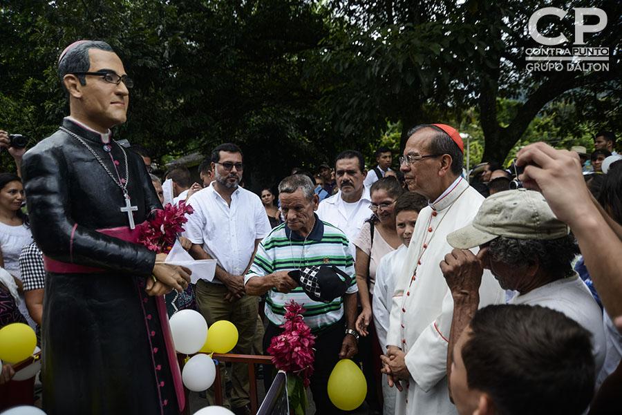 El cardenal Gregorio Rosa Chávez  ofició una misa en honor a los niños y niñas que fueron sepultados en Arcatao.