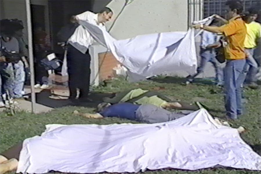 El 16 de noviembre de 1989 elementos del batallón élite Atlacalt, de la Fuerza Armada Salvadoreña, irrumpió en el campus de la UCA, asesinando a seis sacerdotes jesuitas y dos de sus colaboradoras.