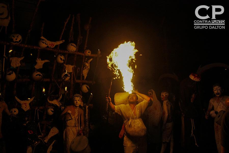 Cada 1 de noviembre en el municipio de Tonacatepeque se celebra el Día de la Calabiuza, tradición en la que  niños y jóvenes salen a pedir ayote en miel casa por casa, con vestimentas representativas de los personajes de la mitología salvadoreña.