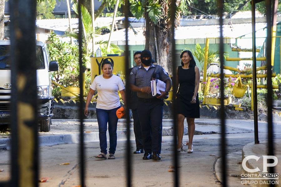 eodora Vásquez recobró su libertad luego de 10 años de estar recluida, acusada de homicidio agravado. A Teodora, una de las 17 mujeres encarceladas por aborto, el Estado le conmutó la pena.