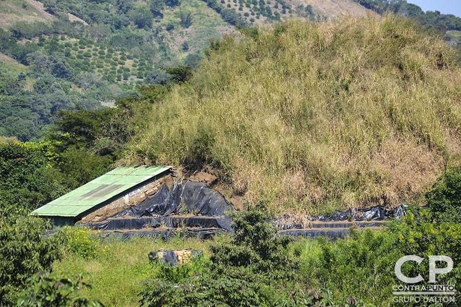San Andrés es un sitio maya prehispánico de El Salvador, cuya larga ocupación se inició alrededor del año 900 AdeC, como un pueblo agrícola en el valle de Zapotitán del departamento de La Libertad, al noroeste de San Salvador. Actualmente ser realizan excavaciones en la zona.