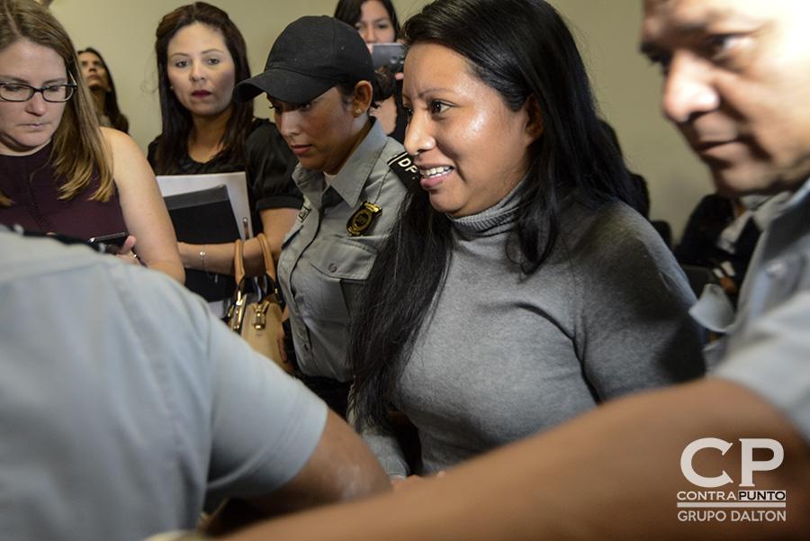 A Teodora Vásquez la oportunidad de obtener su libertad le fue truncada. El Tribunal Segundo de Sentencia de San Salvador confirmó la sentencia de 30 años por el delito de Homicidio Agravado en prejuicio de su hijo, tras sufrir un parto intempestivo en 2007.