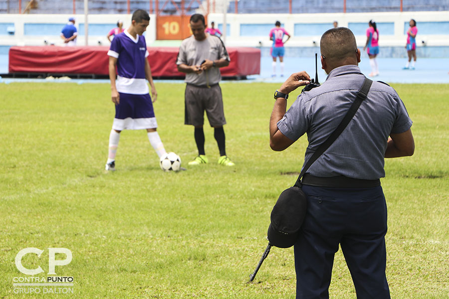 Más de 500 reos en fase de confianza disputaron los primeros Juegos Deportivos Penitenciarios en seis disciplinas. En el estadio