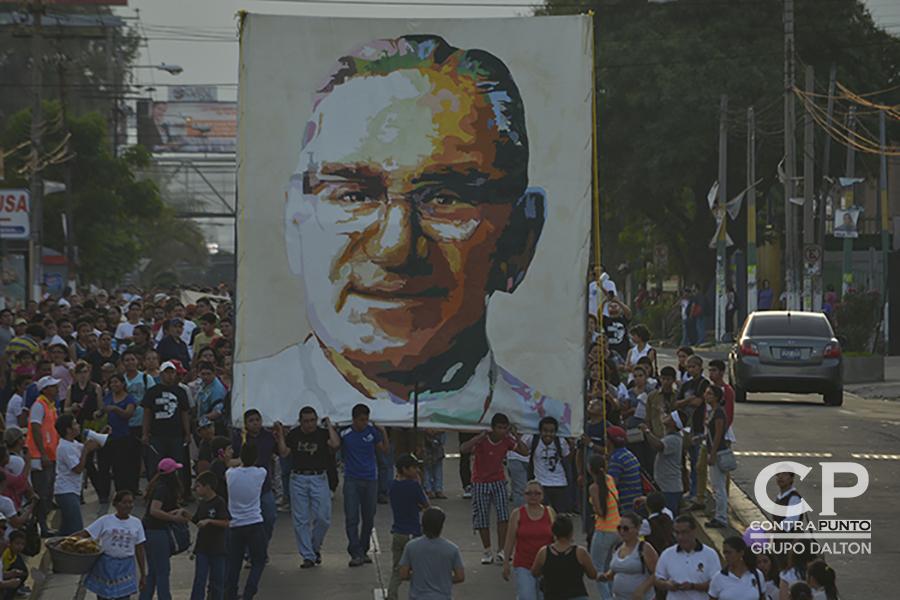 Desde su muerte, monseñor Romero ha sido considerado un santo del pueblo salvadoreño.