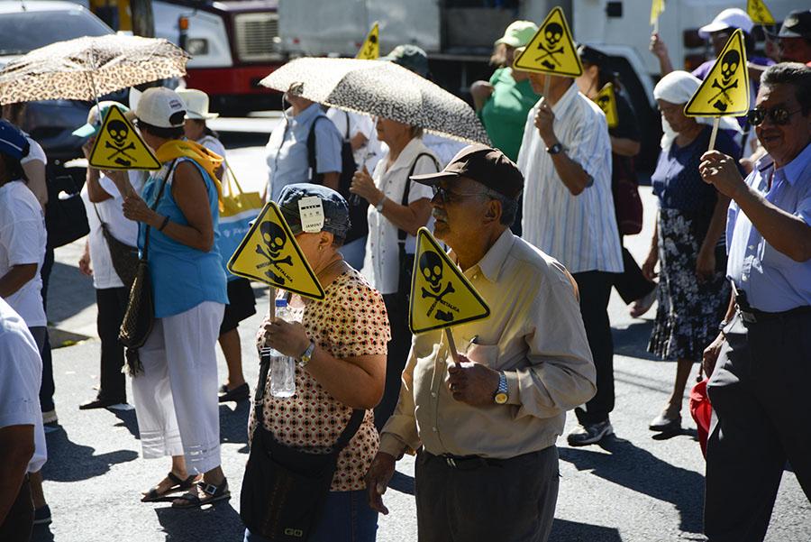 La marcha salió del parque Bolívar hacia la Asamblea Legislativa.