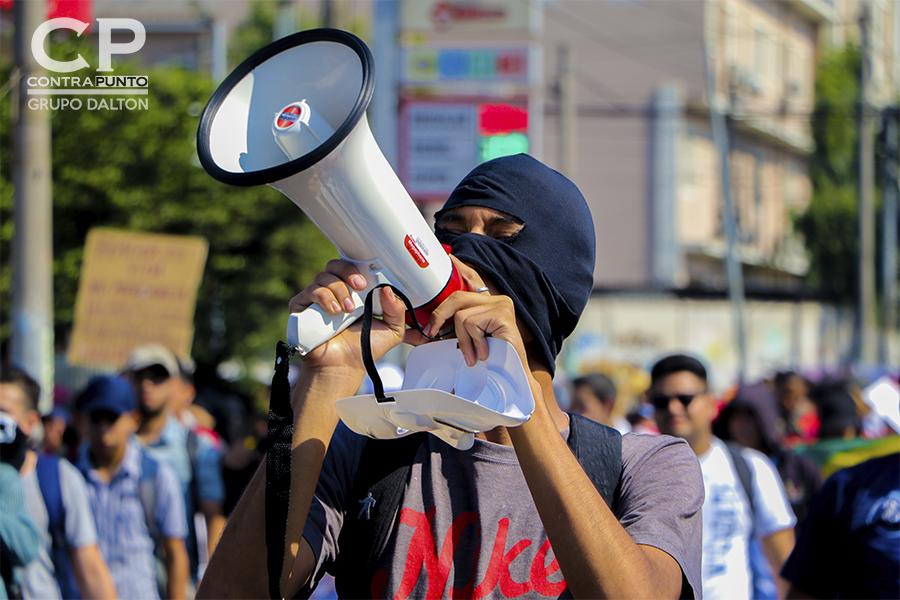 Estudiantes de la Universidad Nacional, sindicatos y sociedad civil marcharon en contra de la privatización del agua