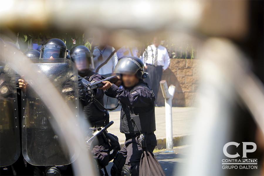 Al final del recorrido se generaron disturbios entre la UMO y algunos manifestantes
