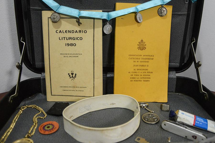Monseñor Romero portaba en su maletín el calendario litúrgico de 1980, año en que fue asesinado.