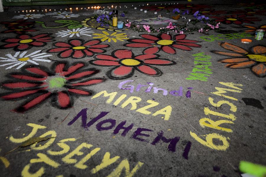 El pasado 8 de marzo, al menos 40 niñas y adolescentes murieron calcinadas en el Hogar Seguro Virgen de la Asunción, en Guatemala, al quedar atrapadas en el establecimiento, tras protestas por abusos de las autoridades del lugar.