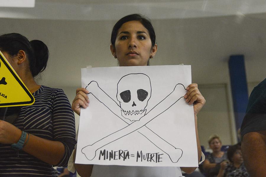 Organizaciones ambientalistas llegaron a la Asamblea Legislativa para ser testigos de la aprobación de la  Ley de Prohibición de la Minería Metálica.