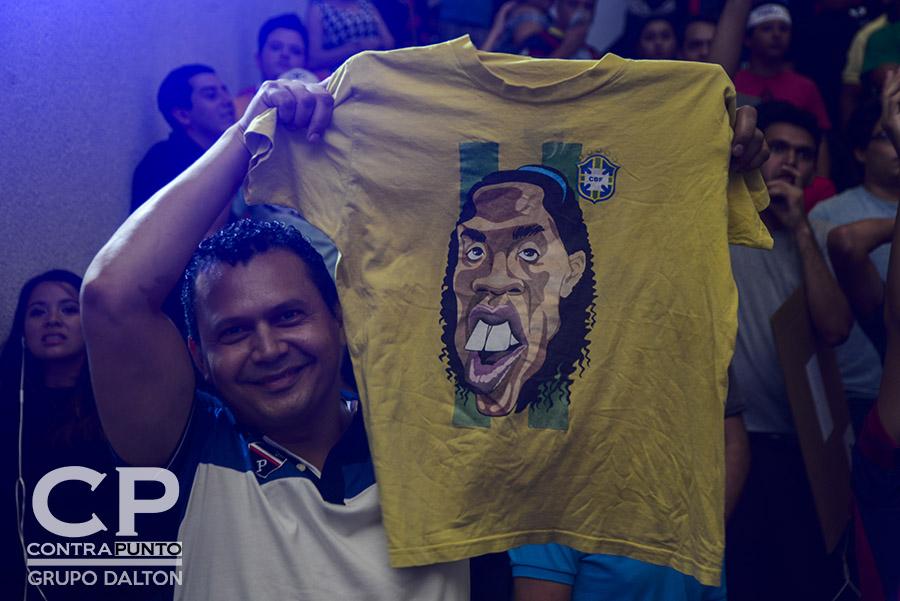 El futbolista brasileño levantó la Copa del Mundo en el 2002, además de ser Balón de Oro en el 2005, cuando destacaba en el Barcelona español.
