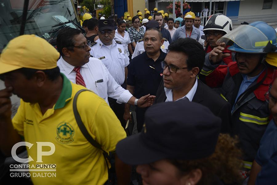 Autoridades llegaron al Ministerio de Hacienda para dar a conocer más detalles sobre el siniestro.