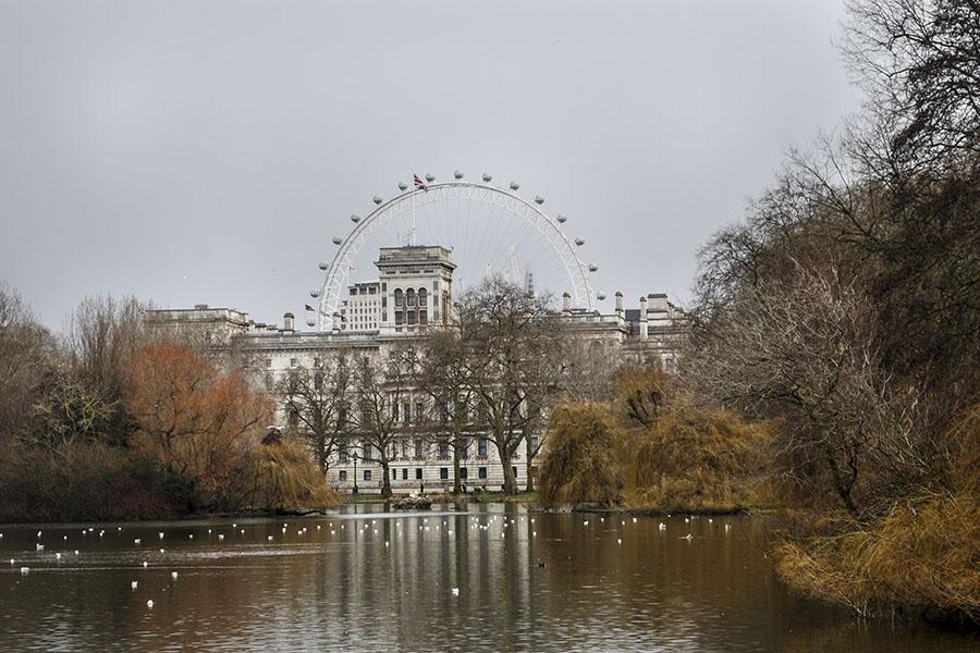 Vista del Hyde Park, el parque más grande del centro de Londres. Hyde Park es considerado como el parque más antiguo de la ciudad y desde su creación ha sido escenario de duelos, manifestaciones y conciertos. Foto: Nicole Chicas.