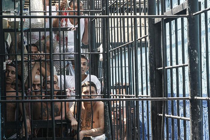 El centro penal de San Francisco Gotera tiene 1,123 internos. De estos, se ha unido al programa el 45 % de la población reclusa. Foto: Antonio Montes