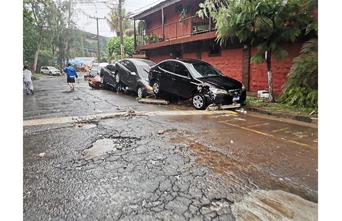 Se reportan daños materiales en Colonia Brisas de San Francisco