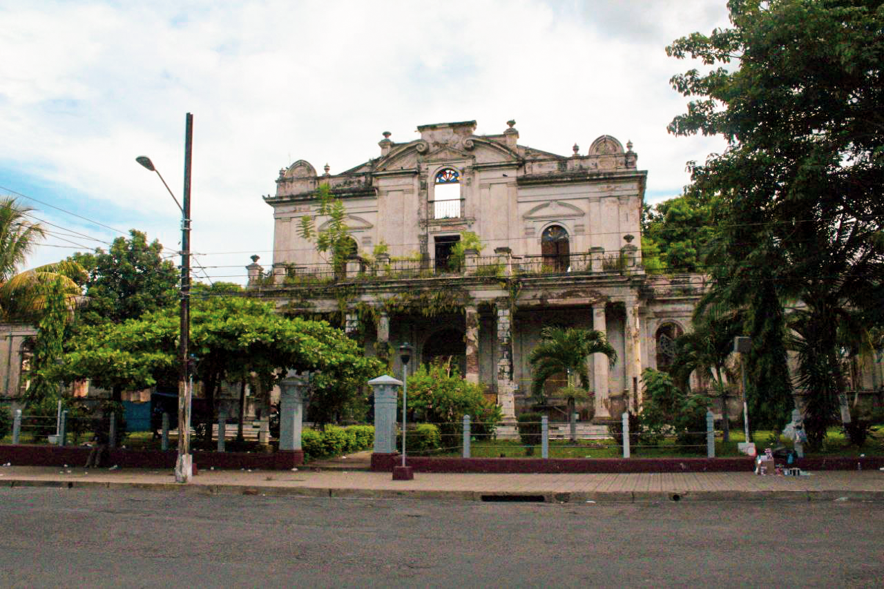 """Antigua Escuela de Artes y Oficios """"José Mariano Méndez"""", Santa Ana."""