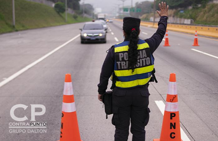 Los controles vehiculares se han intensificado a lo largo de todo el país.