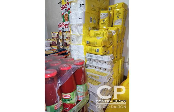 Recientemente, en una de las plazas principales de Milán, entregaron canastas alimenticias, las cuales darán un apoyo a nuestros connacionales en  esta emergencia.