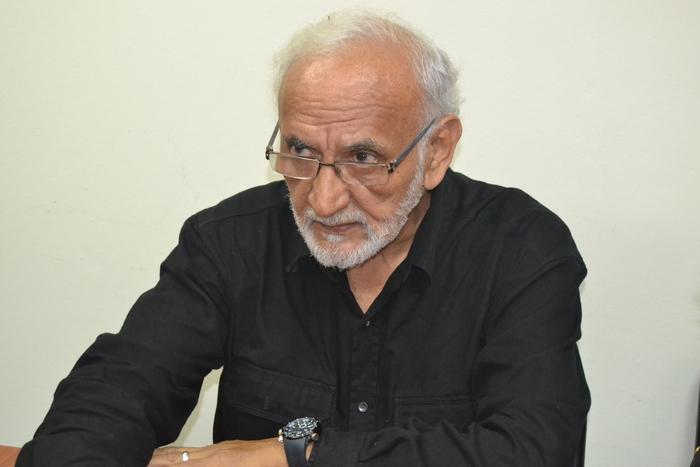 Cañas fue miembro de la comisión político diplomática negociadora durante los Acuerdos de Paz en 1992, además era columnista de ContraPunto.
