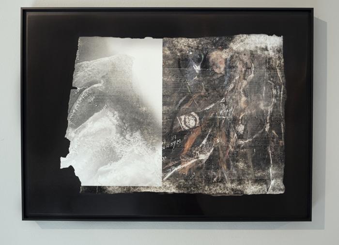 Pulse: La novia (Homage, Rosa Mena Valenzuela), tintas de archivo pigmentadas sobre planchas de aluminio anodizado, 2020, RECORD: Cultural Pulses, RoFa Projects. Foto y copyright: Muriel Hasbun.