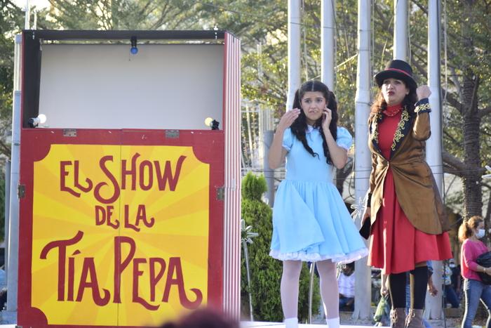 El show de tía pepa está adaptándose a estos tiempos de pandemia y decide llevar el teatro al aire libre.