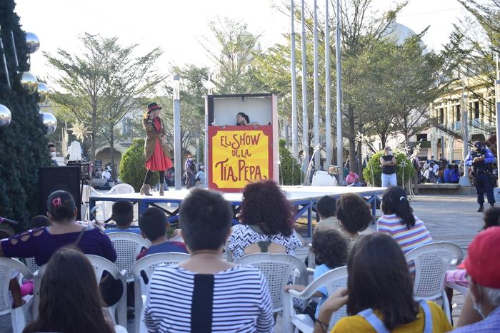 Una tarde de teatro en parque Libertad