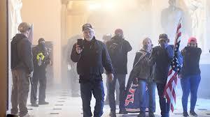 La policía brindo seguridad a los legisladores que se encontraban en el Capitolio.